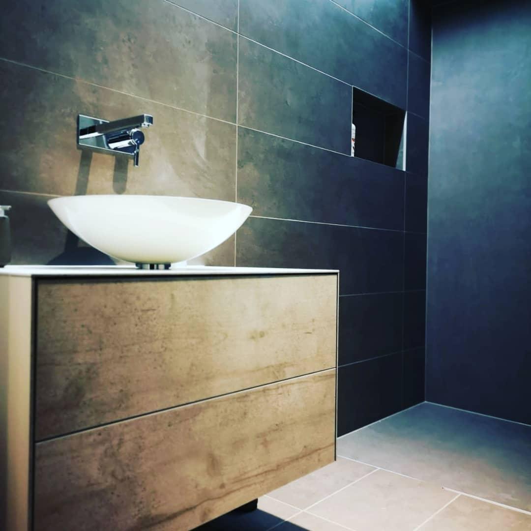 Salle de bain  Restaurant en appartement à Morges  BM Sanitaire
